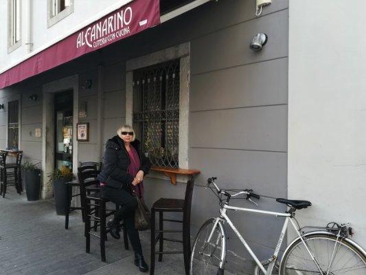 Ingresso della osteria Al Canarino di Udine