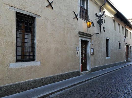 Edificio che ospita la osteria Al Vecchio Stallo di Udine