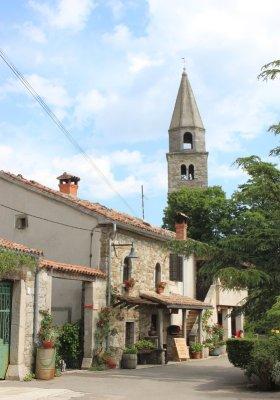 Il centro storico di Roč (Rozzo) in Istria Croazia