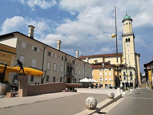 Piazza XXIV Maggio a Cormons