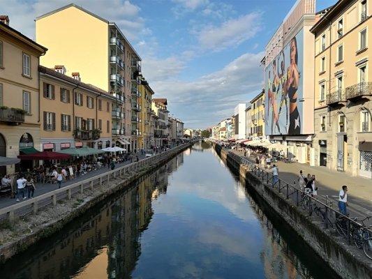 Panorama del Naviglio Grande a Milano