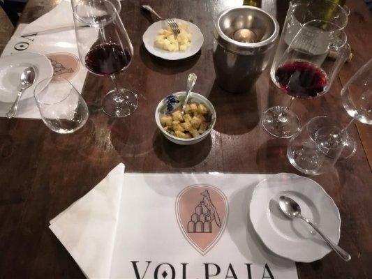 Degustazione vini alla cantina del Castello di Volpaia