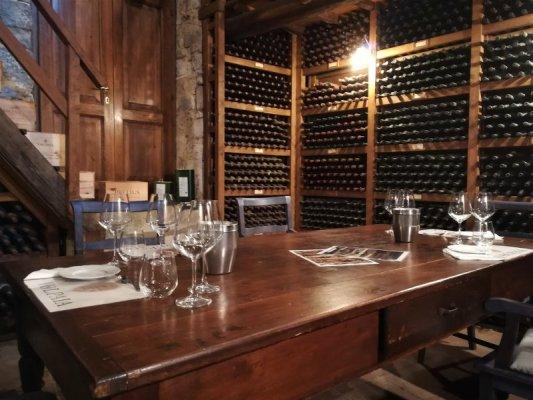 Sala degustazioni al Castello di Volpaia nel Chianti