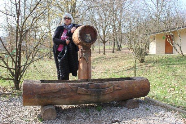 Fonte di acqua all'ingresso del Bosco di Plessiva