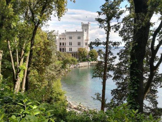 Scorcio del Castello di Miramare a Trieste