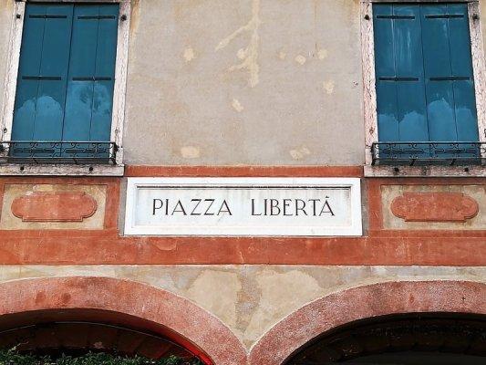 Piazza della Libertà a Bassano del Grappa