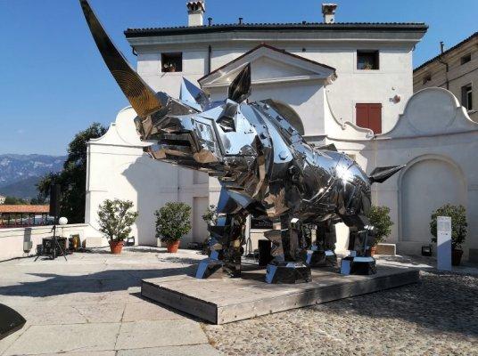 Il Rinoceronte opera di Li-Jen Shih a Bassano del Grappa