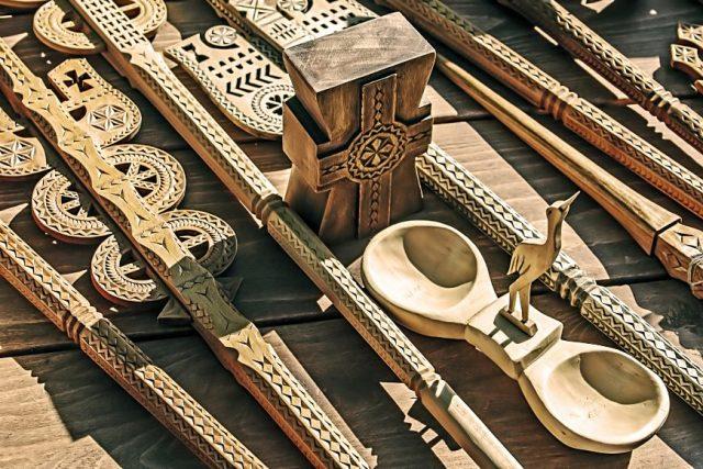 obiecte traditionale lemn