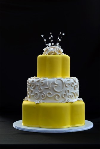 Wedding Cake - Yellow with White Roses
