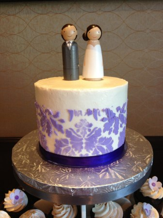 purple damask wedding cake | wedding colors