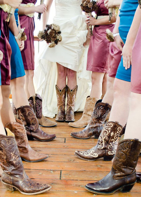 Wedding ideas | cowgirl boots cowboy country
