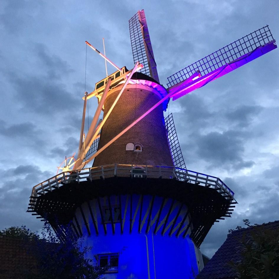 De molen in Wassenaar in prachtige kleuren