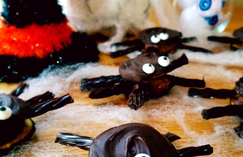Spooky spiders are an awesome Halloween treat to serve at your Halloween party. They're easy to make and only have 5 ingredients.