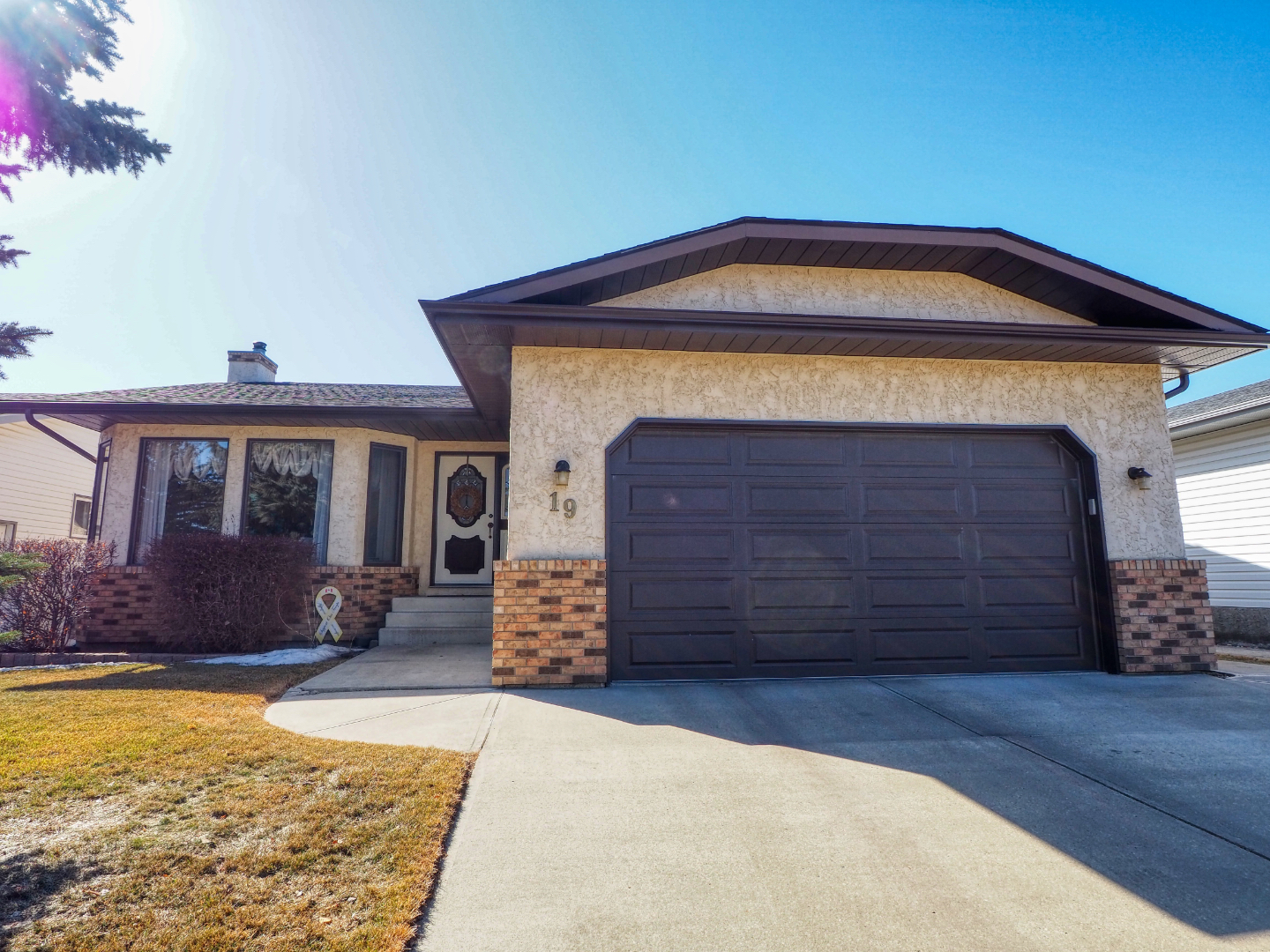 Red Deer bungalow for sale