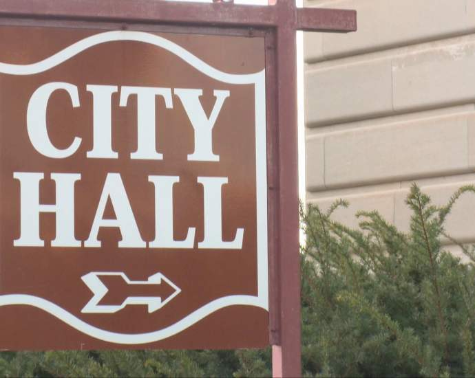Des Moines City Council Considering Mask Ordinance for City Facilities 6