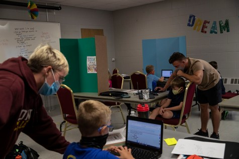 Programs and parents work to help Iowa City students learn virtually 3
