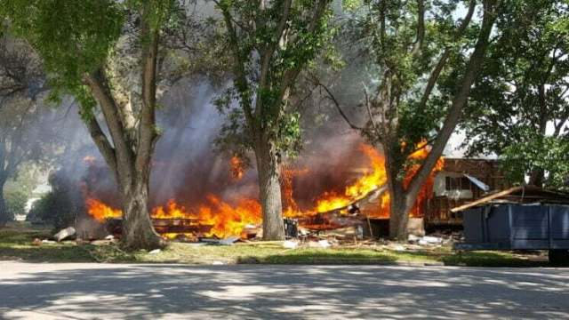 Fire destroys mobile home, damages second in Perry 7