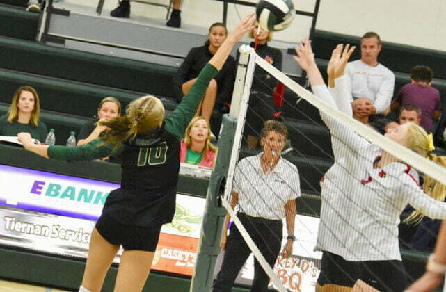 W-G rallies to spike win away from visiting Earlham 1