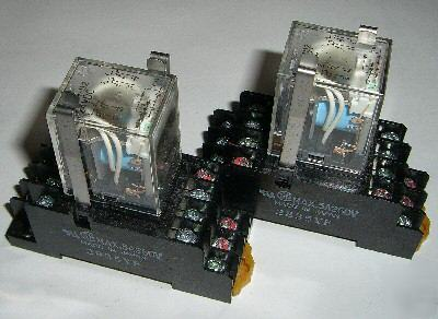 Omron Relay My4n D2 24vdc With Socket Base Free Shiping