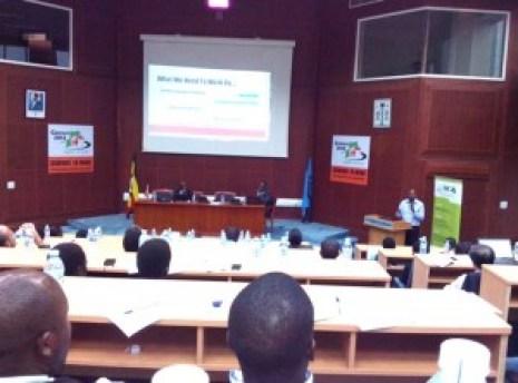 Michael Ninyitegeka presents at IT workshop