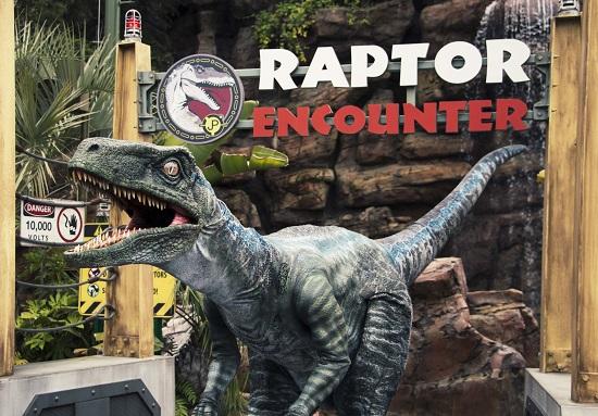 Blue, il Velociraptor debutta negli Universal Studios di Hollywood e Universal Orlando Resort