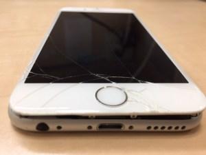 iPhoneガラス割れ前0124
