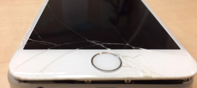 iPhone6フロントパネル交換修理 石狩市より『氷で滑って踏んづけた』