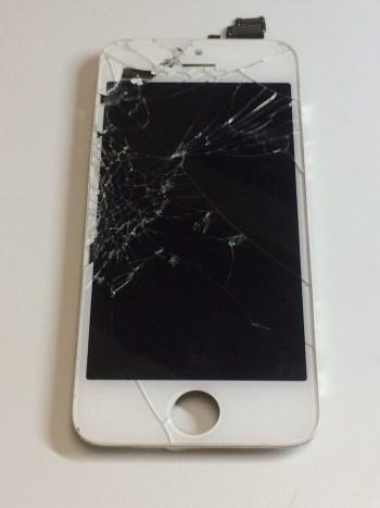 iPhone5修理前28/12/08