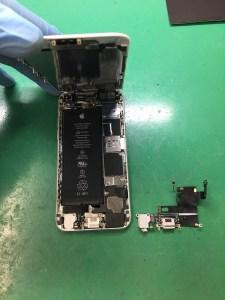 iPhoneライトニングコネクタ交換1121