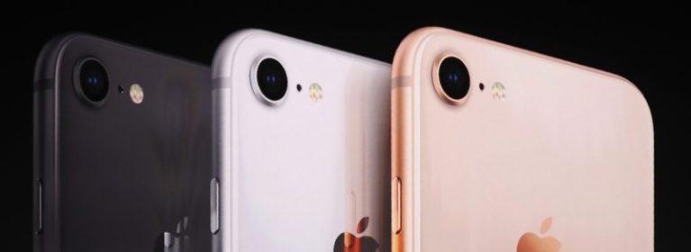 iPhone8(アイフォン8width=