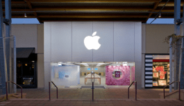 Thief Stole $64k worth of Apple products by throwing rocks through the store's glass door