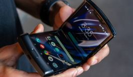 Samsung Will Release a Razr-Like Foldable Smartphone