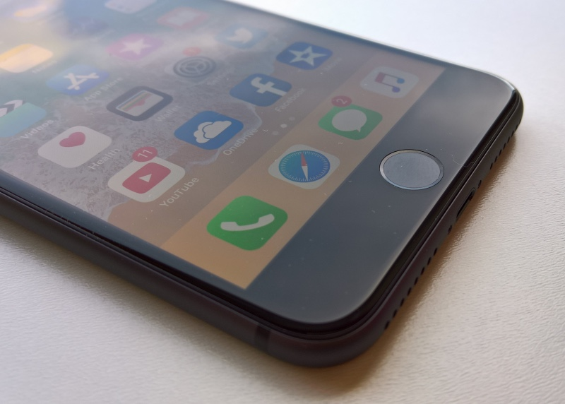 iPhone 8 Plus Touch ID button