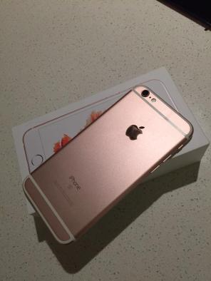 iPhone 6S Rose Gold packaging