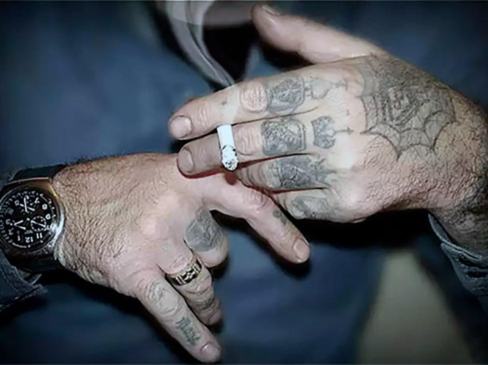 на какой руке правильно носить часы мы узнали
