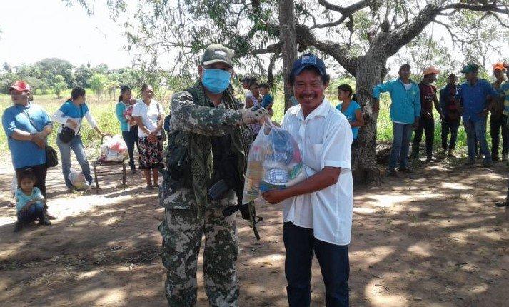 Militares de la FTC donan kits