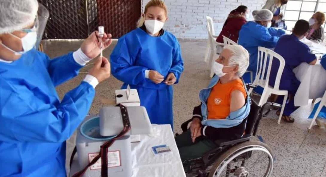 Robo de las dosis de vacunas y hacen figurar muertos vacunados