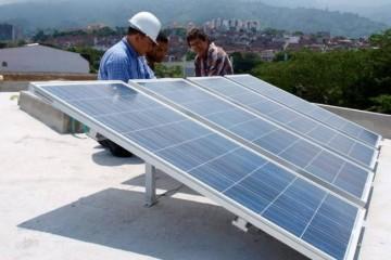 Cuba alienta la producción de paneles fotovoltaicos en su patio como apoyo a un programa para transformar la matriz electroenergética.