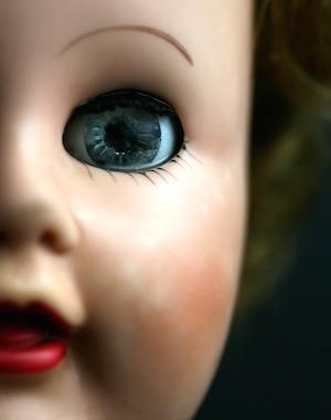 spooky-doll-300