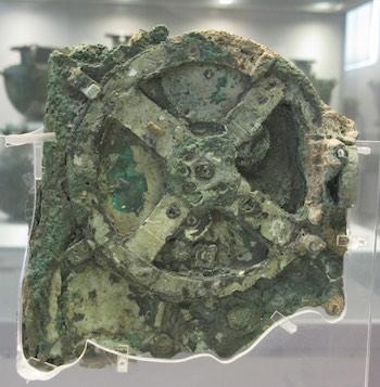 Figure 2. Antikythera Mechanism. Licensed under CC 2.0.