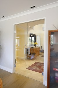 Frameless Interior System | Products | IQ Glass