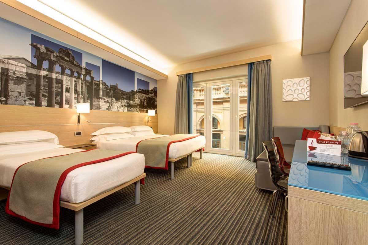 Chambre quadruple htel Rome centre  iQ Hotel Roma