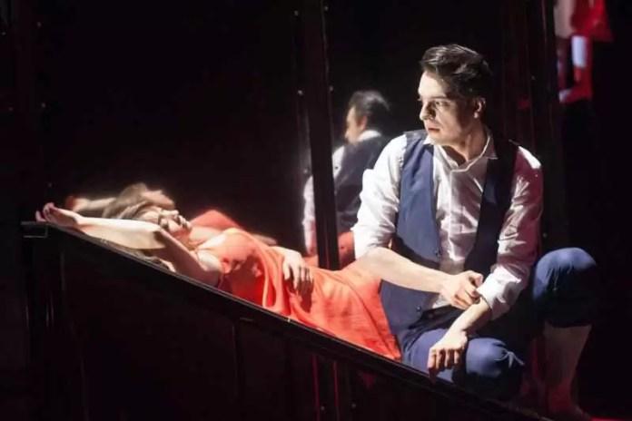 Top 10 spectacole de teatru care merită văzute în București