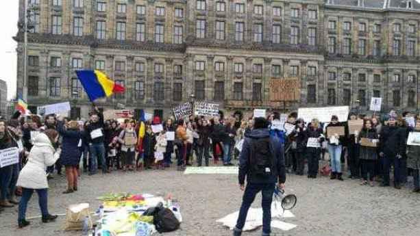 Protestatari în Amsterdam, 5 februarie