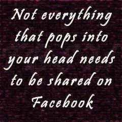 Cinci lucruri pe care nu ar trebui să le postezi niciodată pe Facebook