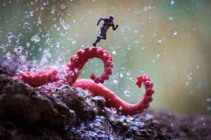 Fotograful care aduce jucăriile la viață - Antman2