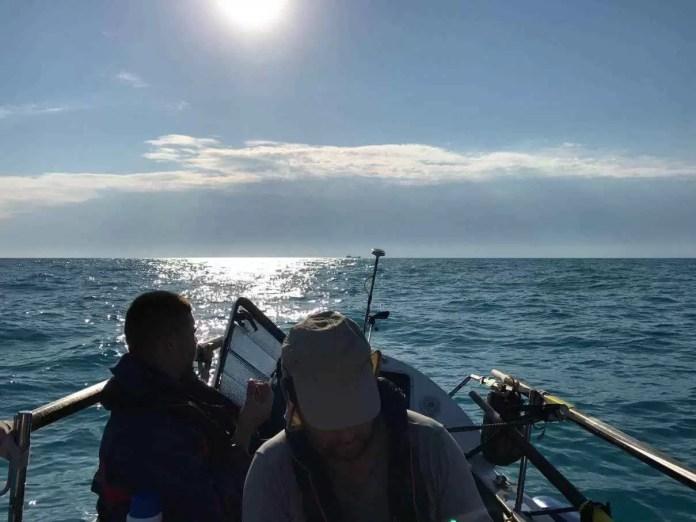 Echipa de români a reușit să traverseze Marea Neagră