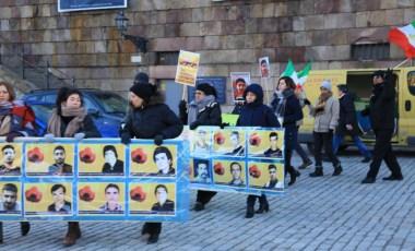 Manifestation till stöd för folkliga protester i Iran