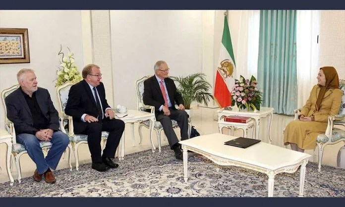 Maryam-Rajavi-met-with-Stevenson-10