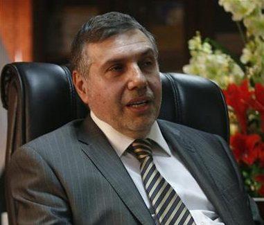 وزير الاتصالات العراقي محمد علاوي خلال مقابلة مع رويترز في بغداد يوم 9 مارس اذار - رويترز